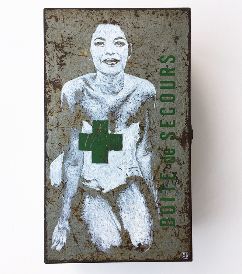 """First aid Kit"" - painting / acrylic on steel box- 13x24cm / septembre 2017"
